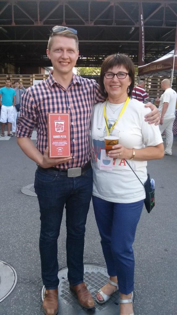 Konkurso nugalėtojas Andrius su aludare Džuljeta.